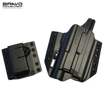 Bravo Concealment ® BCA 3.0 OWB Holster & Mag Carrier für M&P Serie Light Bearing (TLR), rechts - Black