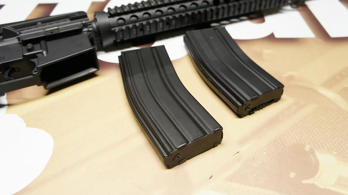 http://www.softair.ch/shop/bilder/ASSAULT_RIFLE/AIM/AT_M5_7.JPG