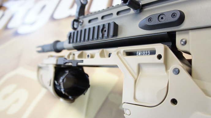 http://www.softair.ch/shop/bilder/ASSAULT_RIFLE/ARES/ARES-AR-063E_09.JPG