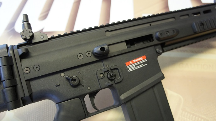 http://www.softair.ch/shop/bilder/ASSAULT_RIFLE/ARES/ARES_AR-060-E_08.JPG