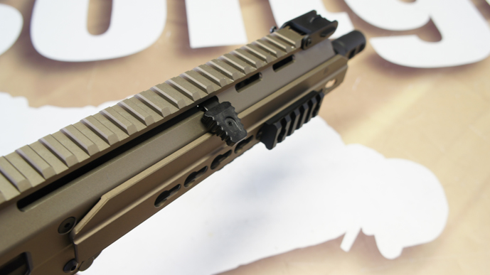 http://www.softgun.ch/shop/bilder/ASSAULT_RIFLE/ICS/ICS-ACR-MASADA-CQB-KEYMOD-DE_08.JPG