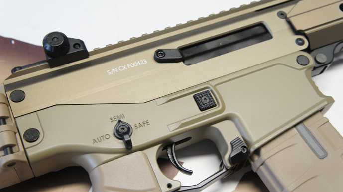 http://www.softgun.ch/shop/bilder/ASSAULT_RIFLE/ICS/ICS-ACR-MASADA-KEYMOD-DESERT_09.JPG