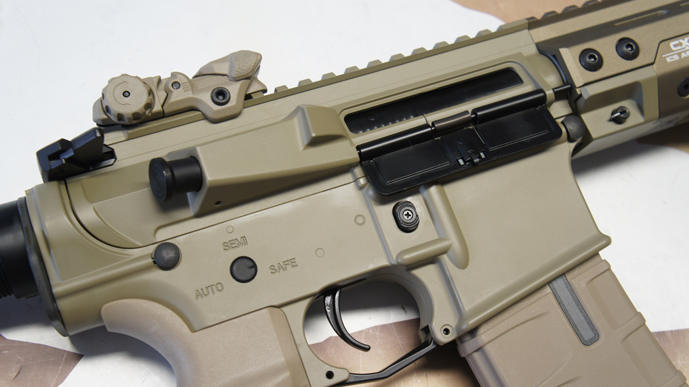 ../shop/bilder/ASSAULT_RIFLE/ICS/ICS-M4-CXP-KEYMOD-DESERT_10.JPG