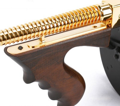 http://www.softair.ch/shop/bilder/ASSAULT_RIFLE/KA/KA_M1928_GOLD_6.jpg