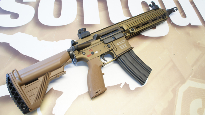 http://www.softgun.ch/shop/bilder/ASSAULT_RIFLE/VFC/VFC-HK-HK416-DESERT_04.JPG