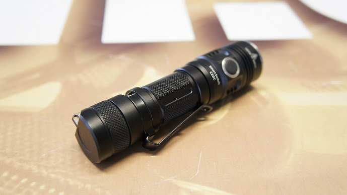 http://www.softair.ch/shop/bilder/GEAR/FLASHLIGHT/SUNWAYMAN/SUN-C20C_04.JPG