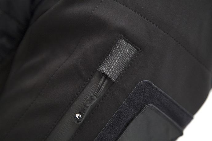 http://www.softair.ch/shop/bilder/REALSTEEL/CARINTHIA/JACKET/CAR-ISG-JACKET-BLACK-05.jpg