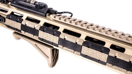 http://www.softair.ch/shop/bilder/REALSTEEL/MAGPUL/ACC/MAGPUL-M-LOK-COVER-TYPE2-BK_02.jpeg